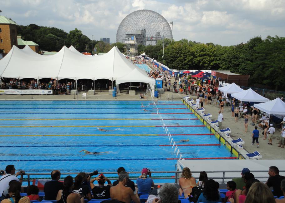 Aquatic Complex, Parc Jean-Drapeau na ostrove sv. Heleny, Montreal s dvomi 50 m bazénmi a bazénom so skokanskou vežou a doskami