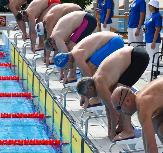 Masters plavci na štarte plaveckých pretekov