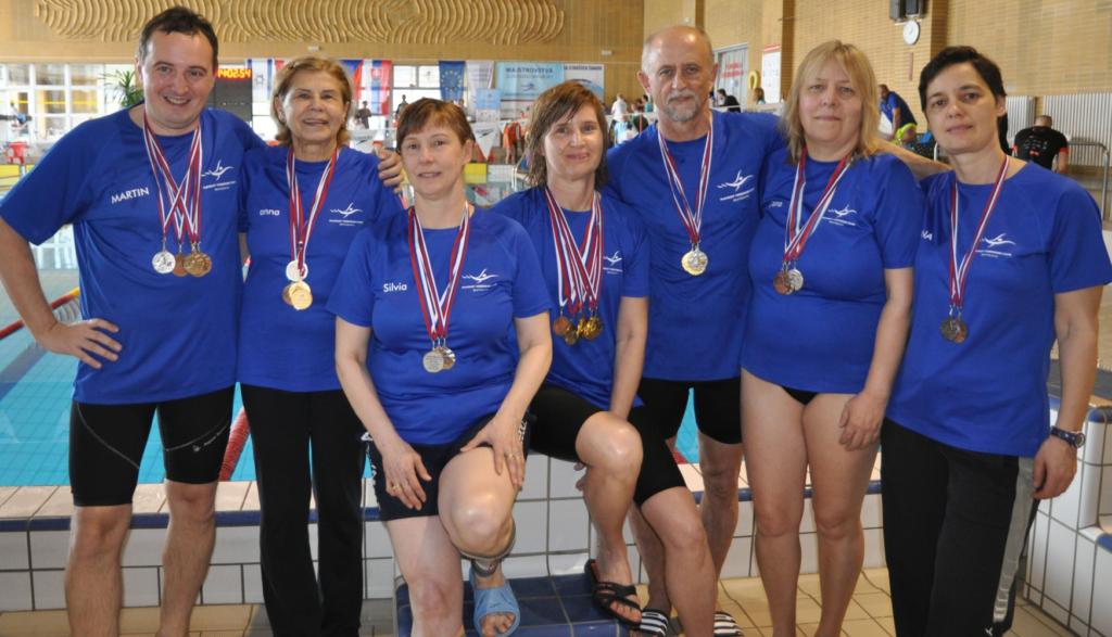 Úspešní plavci PVK Bratislava na Majstrovstvách Slovenska v plávaní masters 2018, Spišská Nová Ves